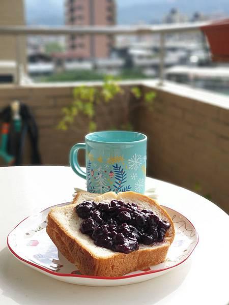 TREES BREAD食パン與手作藍莓果醬by Everina (5).jpg