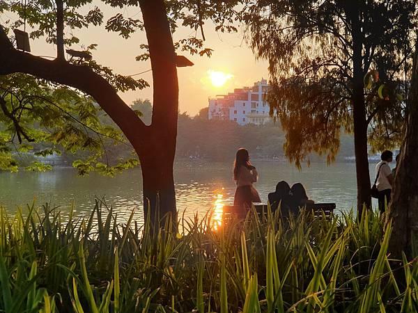 越南河內市還劍湖 (1).jpg