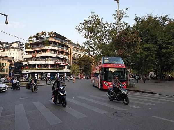 越南河內市還劍湖 (10).jpg