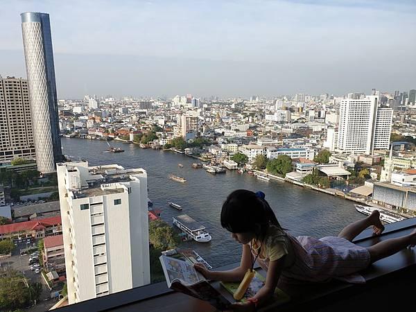 泰國曼谷Millennium Hilton Bangkok:TWIN PREMIUM ROOM (1).jpg