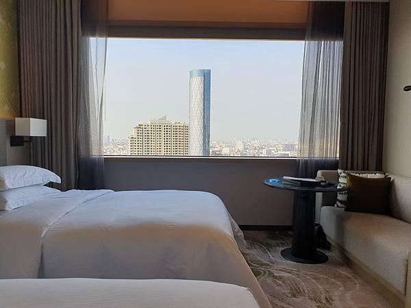 泰國曼谷Millennium Hilton Bangkok:TWIN PREMIUM ROOM (8).jpg