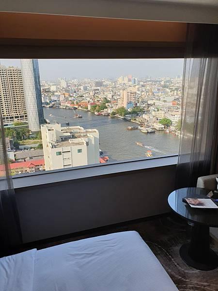 泰國曼谷Millennium Hilton Bangkok:TWIN PREMIUM ROOM (19).jpg