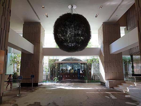 泰國曼谷Millennium Hilton Bangkok:外觀+大廳 (1).jpg