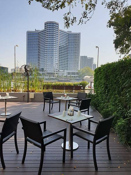 泰國曼谷Millennium Hilton Bangkok:FLOW (1).jpg
