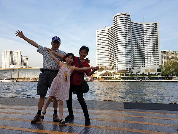 泰國曼谷Millennium Hilton Bangkok:碼頭 (1).jpg