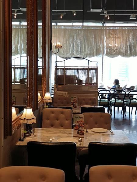 泰國曼谷CENTRAL EMBASSY:Audrey Cafe Glamour (11).jpg