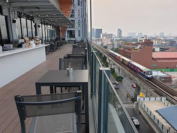 泰國曼谷AVANI Sukhumvit Bangkok:Greenhouse Restaurant %26; Terrace (1).jpg