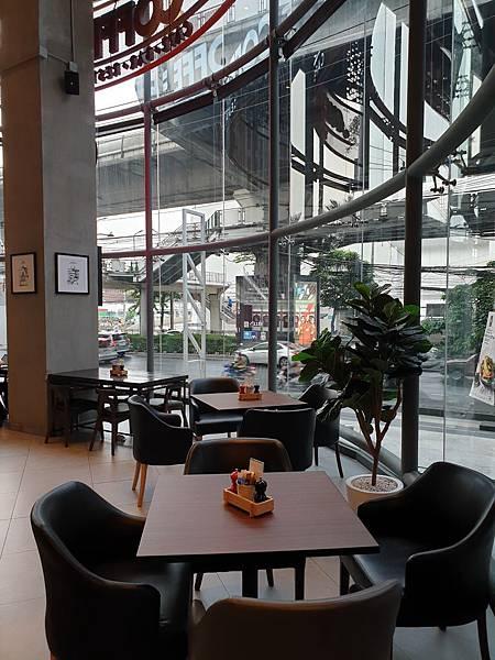 泰國曼谷AVANI Sukhumvit Bangkok:The Coffee Club (2).jpg