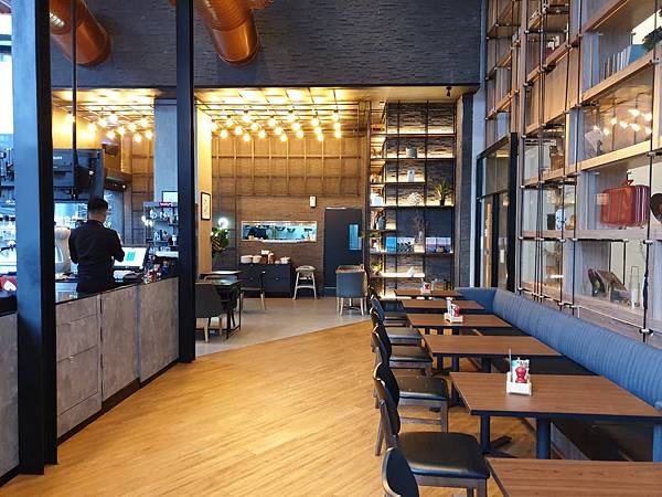 泰國曼谷AVANI Sukhumvit Bangkok:The Coffee Club (8).jpg