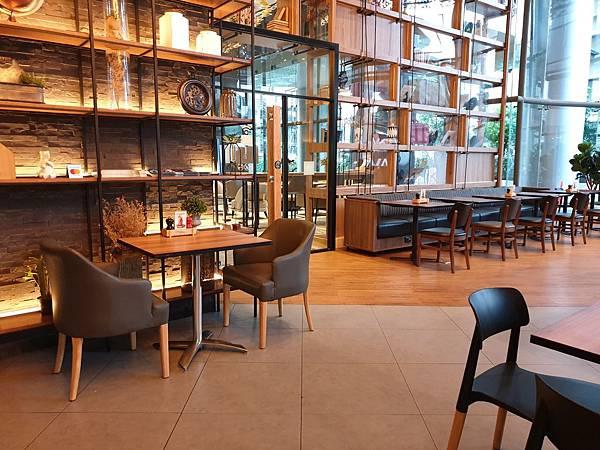 泰國曼谷AVANI Sukhumvit Bangkok:The Coffee Club (12).jpg