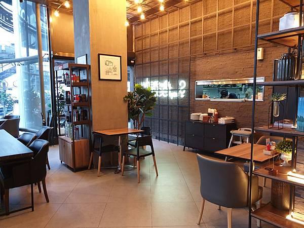 泰國曼谷AVANI Sukhumvit Bangkok:The Coffee Club (25).jpg