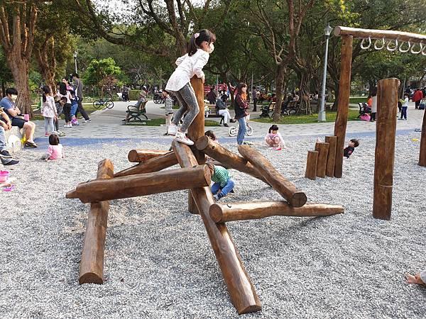 亞亞的興隆公園 (15).jpg