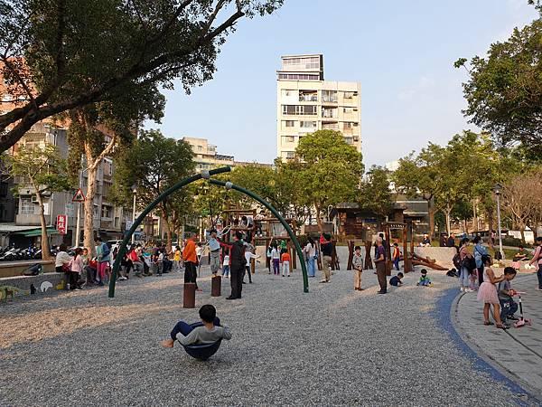 亞亞的興隆公園 (17).jpg