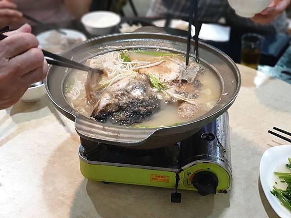台北市一家魚頭火鍋店 (6).jpg