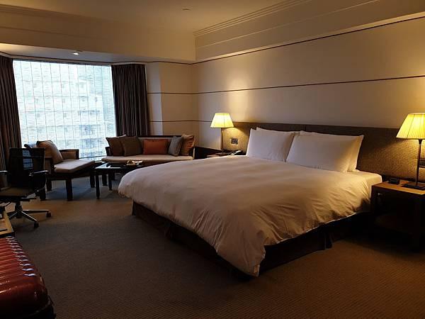 台北市台北晶華酒店:豪華客房 (18).jpg