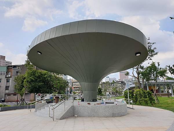 台北市景勤二號公園 (2).jpg