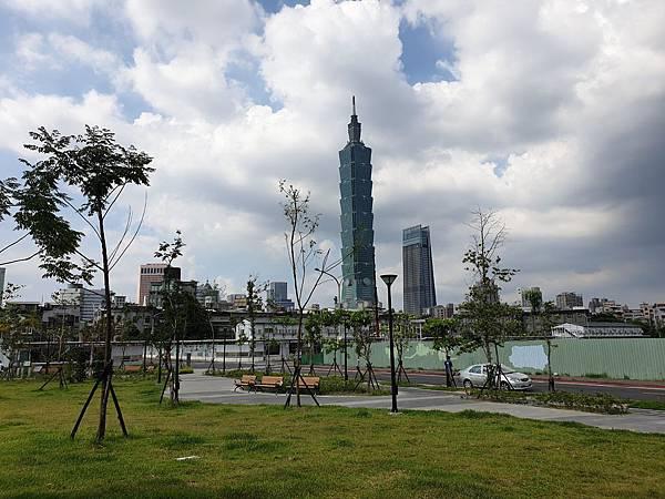 台北市景勤二號公園 (7).jpg