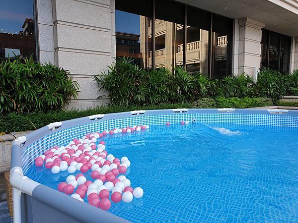 台北市台北美福大飯店:戶外恆溫游泳池 (25).jpg