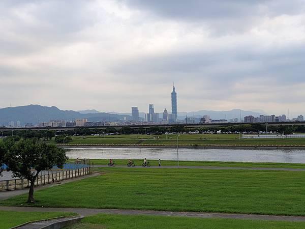 亞亞的大佳河濱散步 (16).jpg
