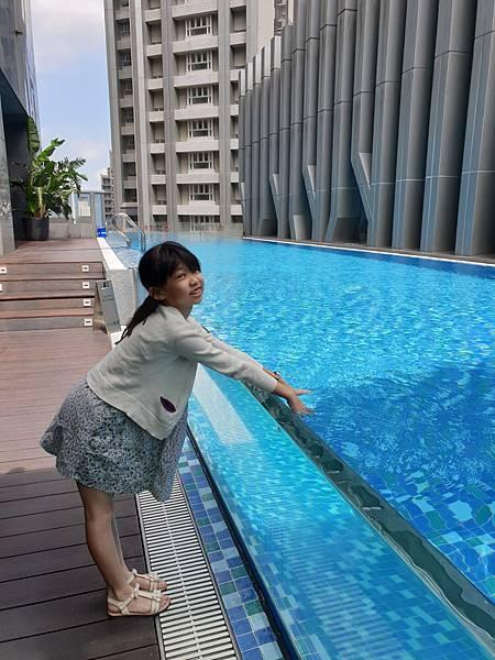 亞亞的林口空中游泳 (3).jpg