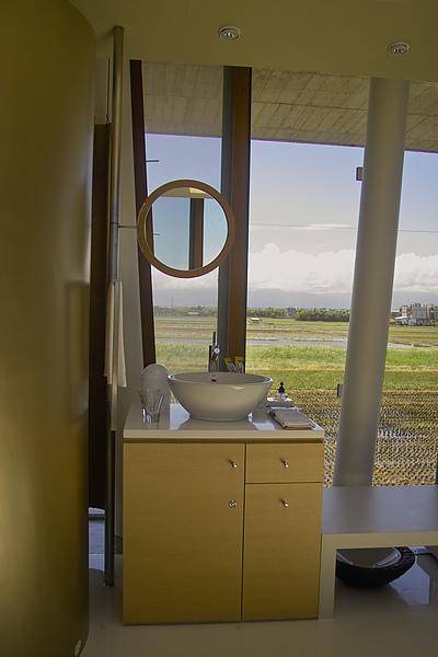 宜蘭縣五結鄉浮線發想之島盥洗台窗景.jpg