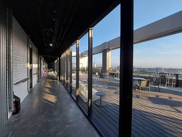 台中市台中MOXY酒店:XOXO Roofbar (10).jpg