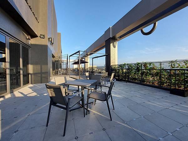 台中市台中MOXY酒店:XOXO Roofbar (12).jpg