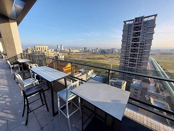 台中市台中MOXY酒店:XOXO Roofbar (14).jpg
