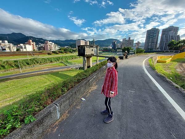 亞亞的河堤風光 (1).jpg