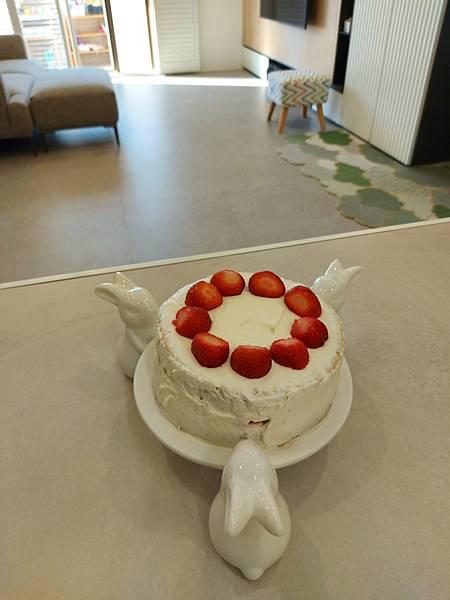 手作鮮奶油草莓戚風蛋糕 (11).jpg