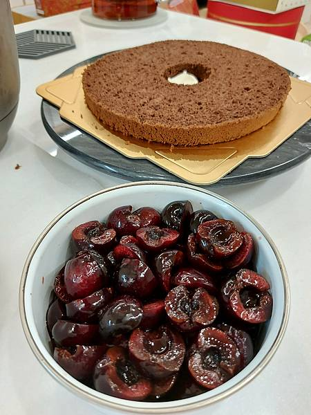手作黑森林蛋糕《手削巧克力磚版》 (5).jpg