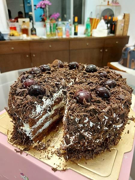 手作黑森林蛋糕《手削巧克力磚版》 (17).jpg