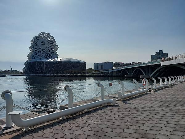 高雄市高雄流行音樂中心:高低塔 (6).jpg