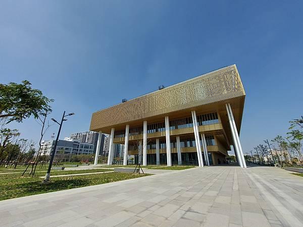 台南市台南市立圖書館:外觀 (5).jpg