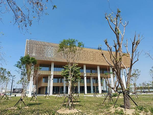台南市台南市立圖書館:外觀 (6).jpg