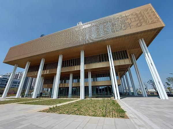 台南市台南市立圖書館:外觀 (8).jpg