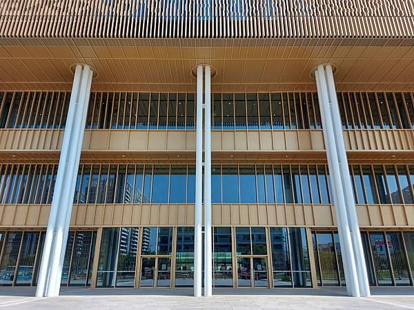 台南市台南市立圖書館:外觀 (11).jpg