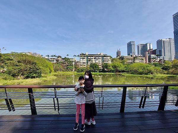 亞亞的松菸湖畔散步 (1).jpg