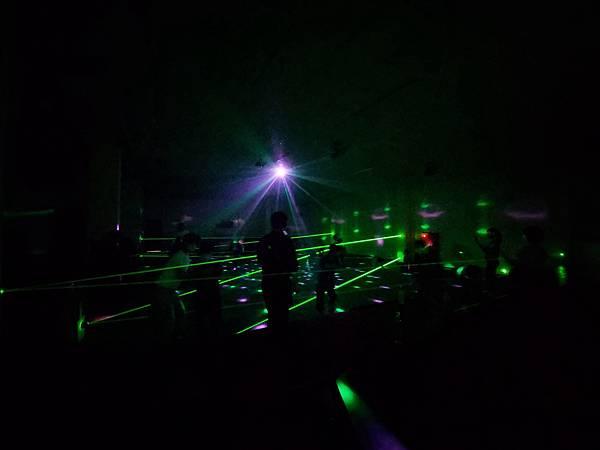 台北縣林口鄉亞太生態園區:鐳射迷宮 (9).jpg