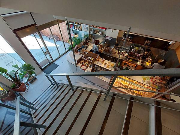台中市YOLO MOMENT Cafe and Bakery (14).jpg