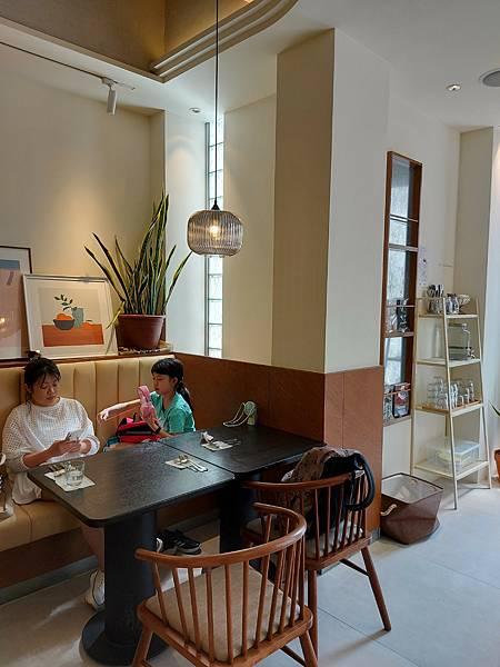 台中市YOLO MOMENT Cafe and Bakery (29).jpg