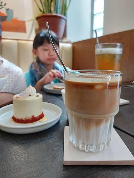 台中市YOLO MOMENT Cafe and Bakery (37).jpg