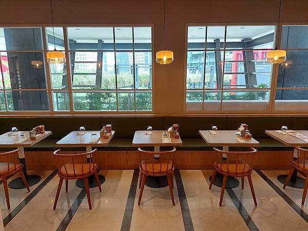 台北市M ONE CAFE A11館 (5).jpg