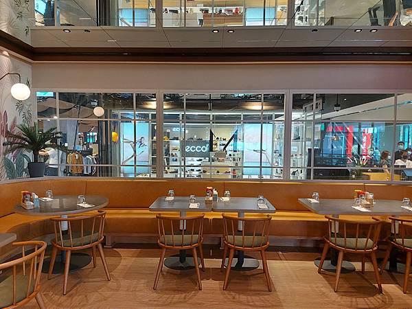台北市M ONE CAFE A11館 (4).jpg