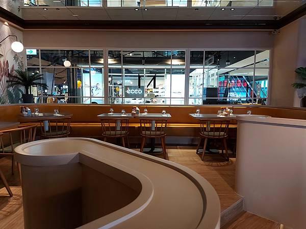 台北市M ONE CAFE A11館 (10).jpg