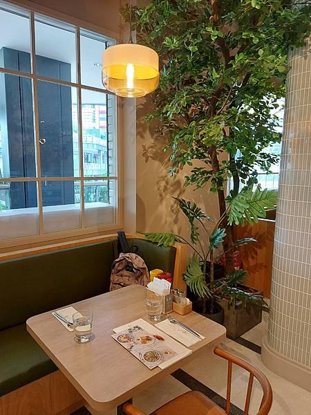 台北市M ONE CAFE A11館 (12).jpg