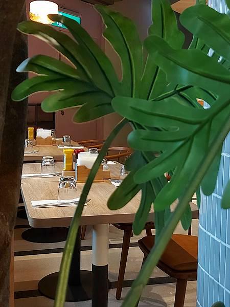 台北市M ONE CAFE A11館 (13).jpg