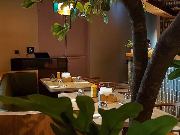 台北市M ONE CAFE A11館 (14).jpg