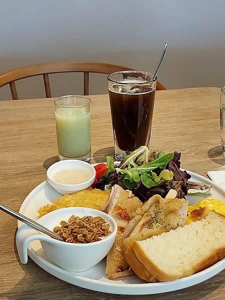 台北市M ONE CAFE A11館 (17).jpg