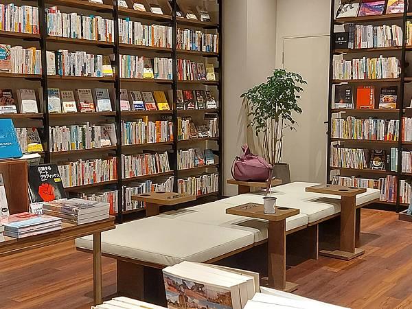 台北市TSUTAYA BOOKSTORE松山店 (14).jpg